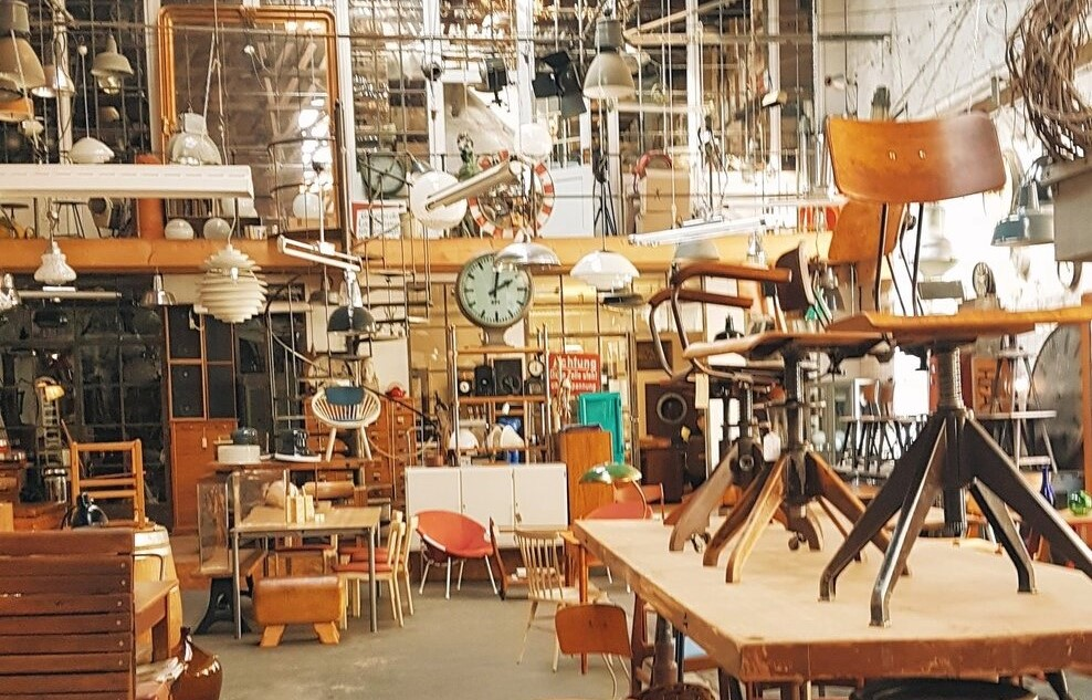 Furniture Refurbishment: what about social implications?